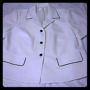Plus size buttoned dressy jacket 20W